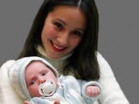 Малыш с соской